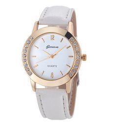 Damski zegarek delikatnie zdobiony na krawędziach - biały